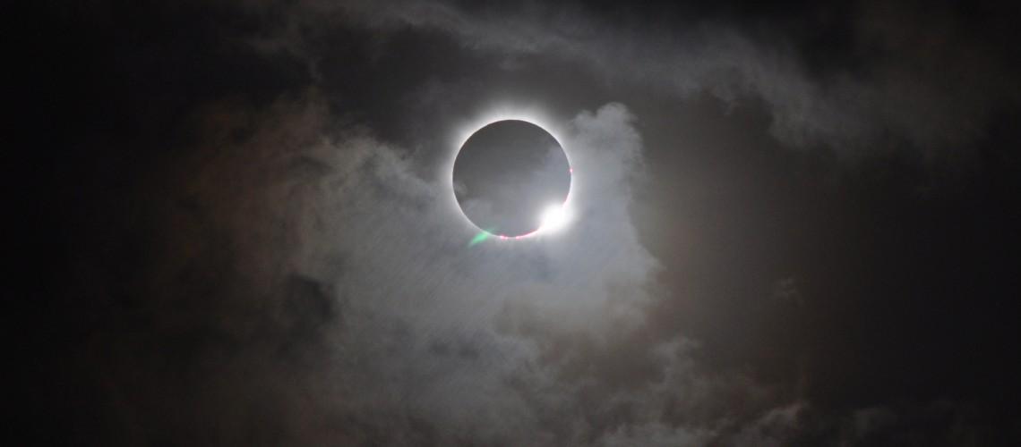 706834main_20121113-solareclipse_full